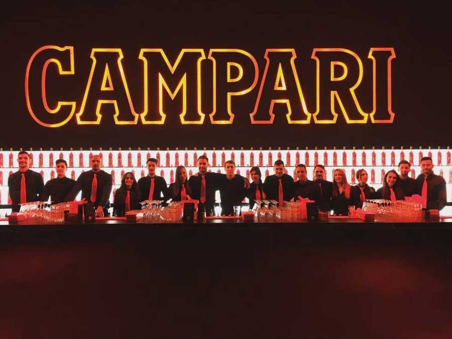 Giovani Barman ad evento Campari